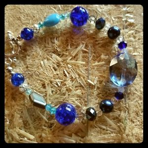 Women's fashion bracelet in blues
